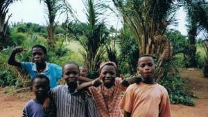 September 1998: mijn buurjongens en voetbalmaatjes toen ik drie maanden in Womey (Benin) woonde